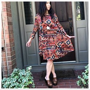 Dresses & Skirts - Earth print loose fit swing dress w/side pockets